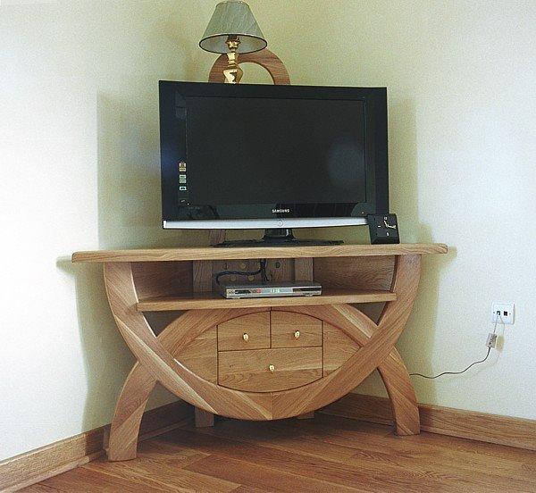 kệ tivi cường lực bằng gỗ